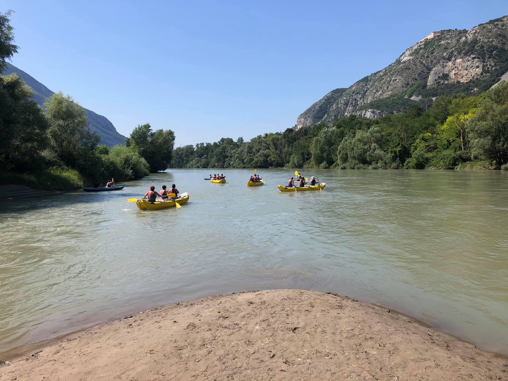 VisitValdadige.com Rafting/ kayak/ ready to gooooo! Tour nel fiume Adige! #raf...